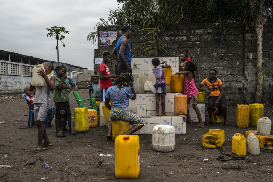 A water pump/collection point in a neighbourhood in Kinshasa.