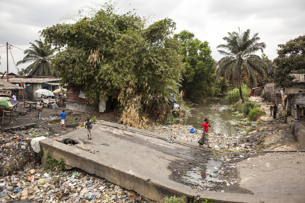 View of polluted stream at the slum of Pakajuma in Kinshasa, on August 19, 2016.