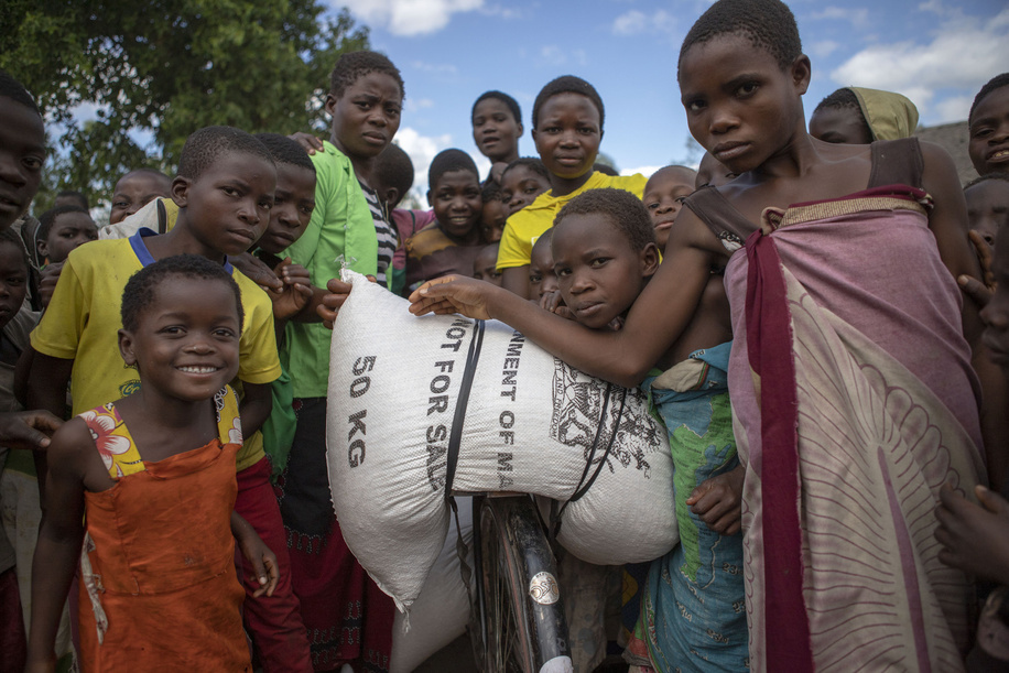 WHO provides urgent health assistance after the Cyclone Idai (15 March 2019) displaced thousands of people in Mozambique, Malawi and Zimbabwe and put them at increased risk of malaria, typhoid and cholera.  Kids with  the donations from the Government of Malawi to assist during the floods in Phalombe,  the floods came after the persistent rains experienced after the passage of Cyclone Idai in the region.