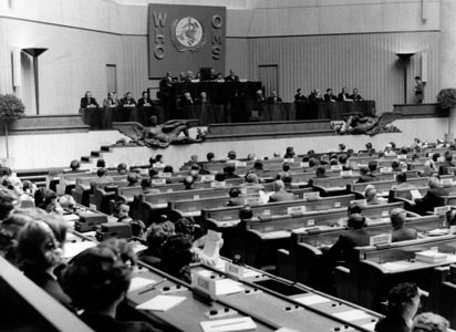 Ninth World Health Assembly (WHA9), Geneva, 8 - 25 May 1956  General view of the Assembly during a plenary meeting. - Title of WHO staff and officials reflects their respective position at the time the photo was taken.