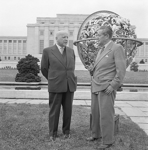 Tenth World Health Assembly (WHA10), Geneva, 7 - 24 May 1957  Professor Marcin Kacprzak (left), Rector of the Faculty of Medicine of Warsaw, was awarded the 1957 Léon Bernard Award for his work on the field of social medicine during an official ceremony held in the Palais des Nations, Geneva. Professor Kacprzak is interviewed in the park of the Palais des Nations by Mr Jerzy Szapiro, ex-Director of the United Nations Information Centre, Geneva, and long-time friend of the professor. - Title of WHO staff and officials reflects their respective position at the time the photo was taken.