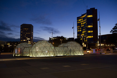 The participants of the the First Global Conference on Air Pollution and Health are invited to visit «Pollution Pods», an interactive art installation by Michael Pinsky, Geneva, 31 October 2018.