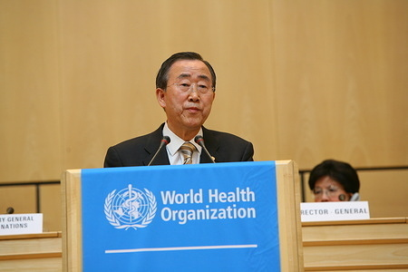 Sixty-second World Health Assembly, Geneva, Switzerland, 18 - 22 May 2009  UN Secretary-General, Ban Ki-moon.  Title of the Officials and WHO staff reflects their respective positions at the time the photo was taken.