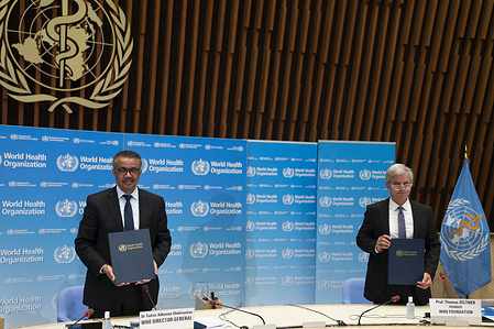 Launch of the WHO Foundation, an independent grant-making entity headquartered in Geneva, that will support WHO efforts to address the most pressing global health challenges.  Signing of the MoU (memorandum of understanding) between WHO and the WHO Foundation.  WHO Director-General, Dr Tedros Adhanom Ghebreyesus and WHO Foundation Founder Prof Dr Thomas Zeltner.  Title of WHO staff and officials reflects their respective position at the time the photo was taken.  Read the transcript:<a target='_blank' href='https://www.who.int/docs/default-source/coronaviruse/transcripts/who-audio-emergencies-coronavirus-press-conference-full-27may2020.pdf?sfvrsn=c097efb3_2'>https://www.who.int/docs/default-source/coronaviruse/transcripts/who-audio-emergencies-coronavirus-press-conference-full-27may2020.pdf?sfvrsn=c097efb3_2</a>