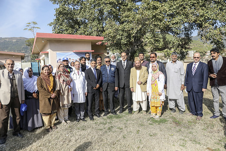 WHO Director-General, Dr Tedros Adhanom Ghebreyesus and WHO Regional Director for the Eastern Mediterranean, Dr Ahmed Al-Mandhari (leftside of DG) visit the Basic Health Unit in Shah Allah Ditta, Islamabad, Pakistan, on Monday 7 Jan, 2019.  Title of officials and WHO staff reflects their respective positions at the time the photo was taken.