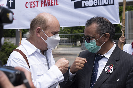 Doctors for Extinction Rebellion Switzerland came outside WHO Headquarters on 29 May 2021 to present a letter to WHO Director-General, Dr Tedros Adhanom Ghebreyesus, signed by health professionals from around the world on the risks of climate change to health.